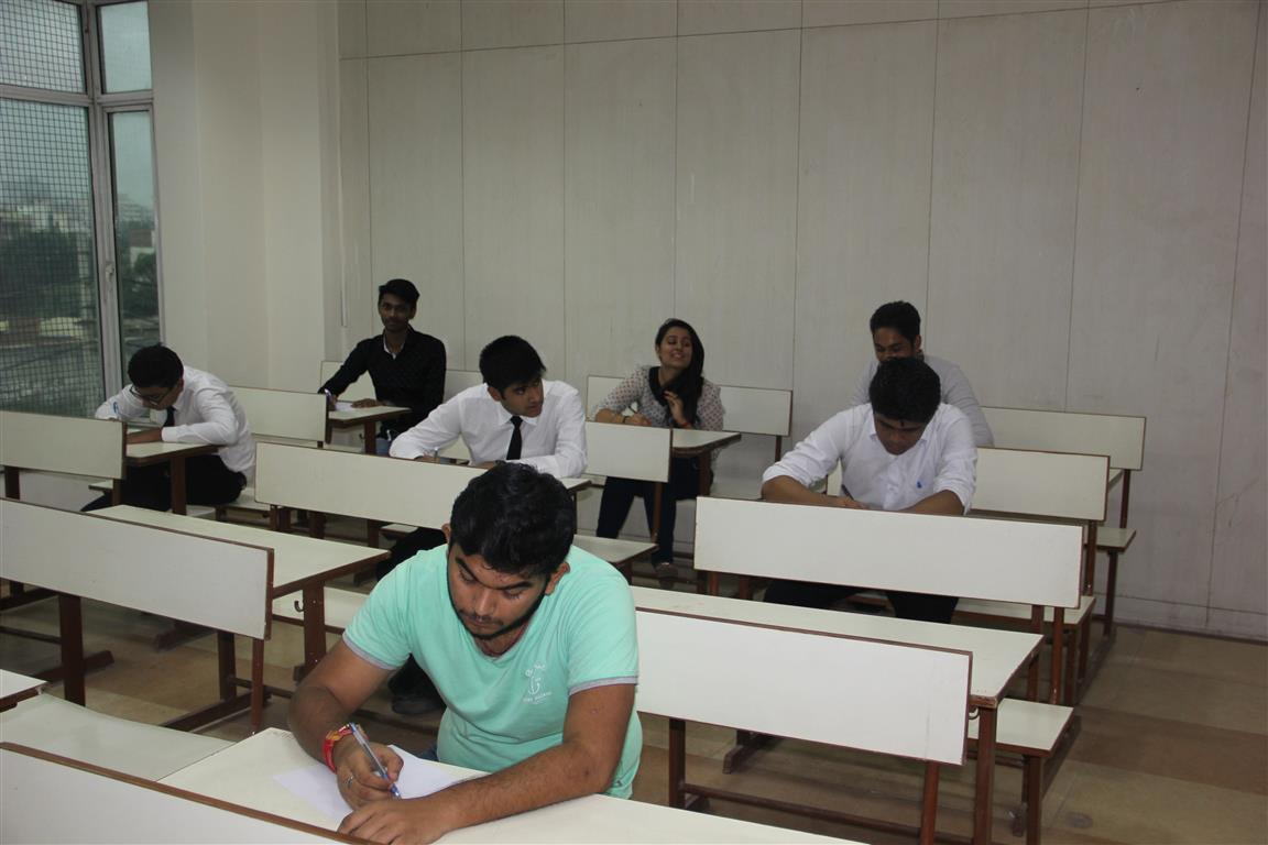 essay on ragging in schools and colleges Whats main reason like in one delhi school -one girl latika sit on his boyfriend rahul lap and make fun of boy who cant drink beer ,those boys hit him in front of road and girls laughing behind more than junior senior topic boys do ragging to impress girls after school when one go to colleges one free anything to do.